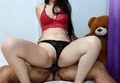 Novinha caiu na net metendo gostoso com seu namorado